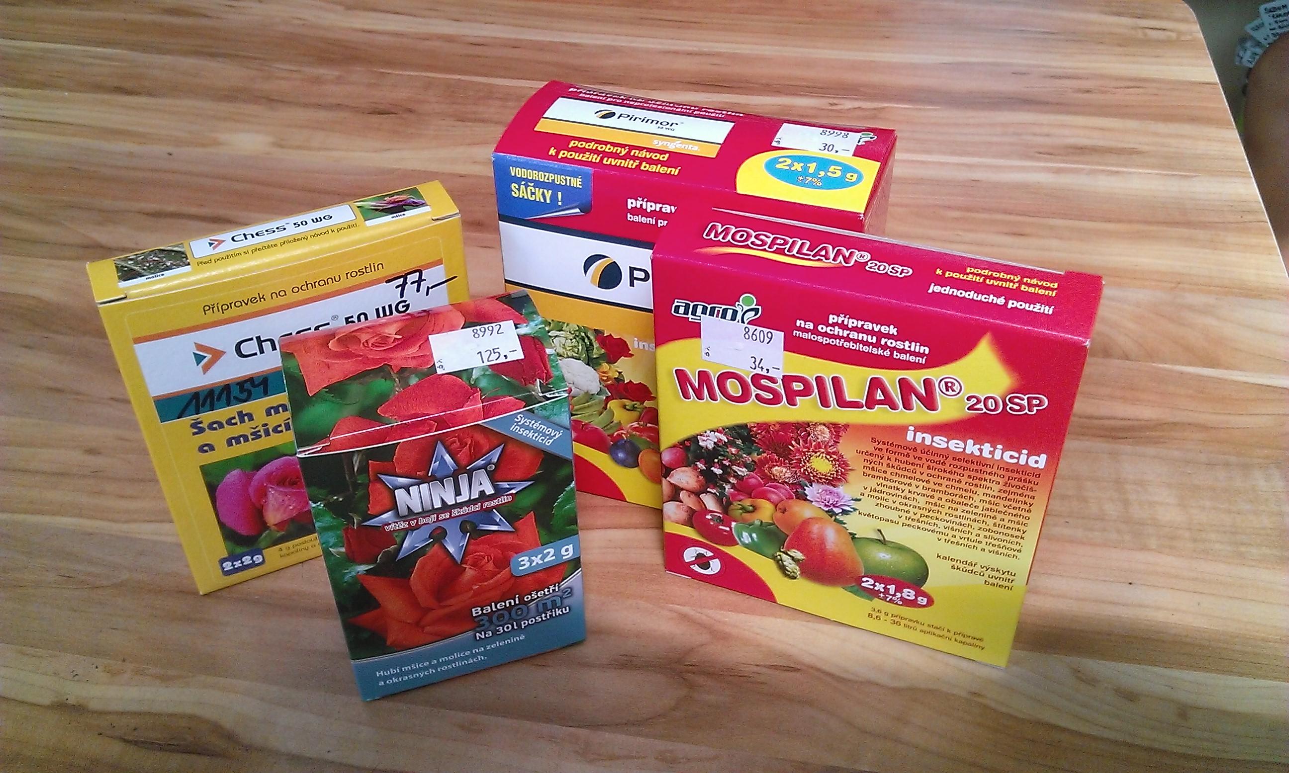Ochrana okrasných rostlin proti škůdcům